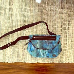 Blue over the shoulder lululemon bag